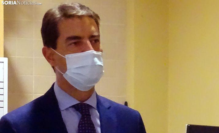 Ángel Ibáñez, consejero de presidencia, en una visita a Golmayo el pasado septiembre. /SN