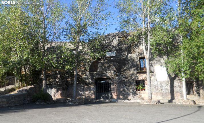 La 'Casa de piedra' de Alcolea de Pinar o el titánico afán de un soriano