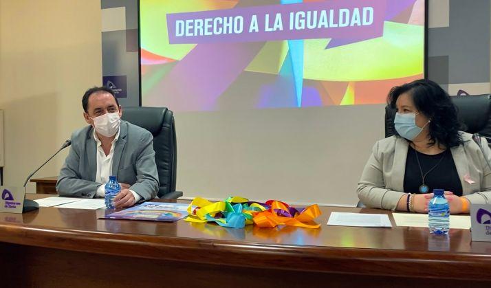 Serrano y Muñoz en la presentación de la jornada este viernes. /Dip.