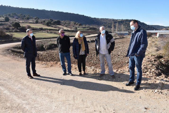 Una imagen de la visita oficial girada hoy a la zona. /Jta.