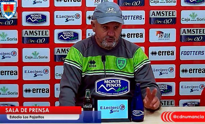 Mandiola, en la rueda de prensa previa al partido de hoy. /CDN