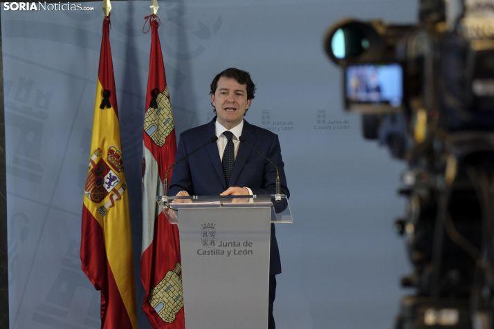 Foto 1 - Los castellanos y leoneses aprueban la gestión de la pandemia de la Junta y suspenden la del Gobierno