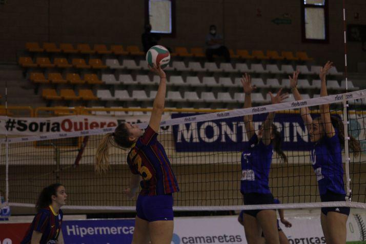 Foto 1 - El CAEP pierde ante el Barça