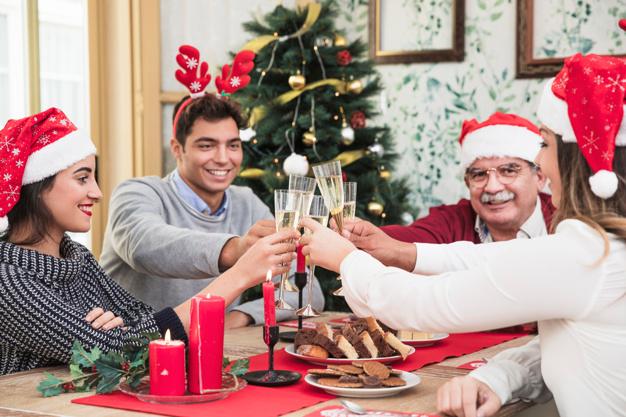 Foto 1 - Castilla y León quiere limitar a 3 personas las reuniones familiares en Burgos durante Navidad