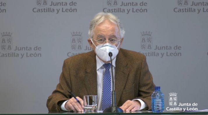 El doctor Jesús Blanco Varela, coordinador de las UCIs en Castilla y León.