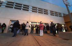 Una imagen de la concentración de esta tarde en el exterior del Santa Bárbara. /SN