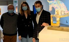 Foto 2 - El Ayuntamiento colabora con la Galería Cortabitarte en el proyecto Arte Solidario con 'caballitos' de Soria diseñados por cinco autores