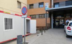 El módulo instalado a la entrada del centro de salud de Ágreda. /Jta.