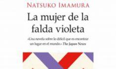 Este martes, debate literario sobre el título 'La mujer de la falda violeta'