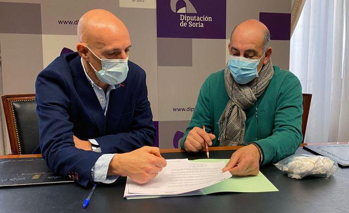 Jesús Carlos Alonso, técnico de área (izda.) y Gustabo Marín, diputado de Deportes. /Dip.