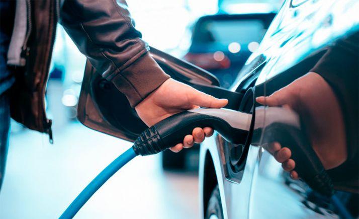 Foto 1 - El borrador del presupuesto contempla propuestas ciudadanas como la promoción del coche eléctrico