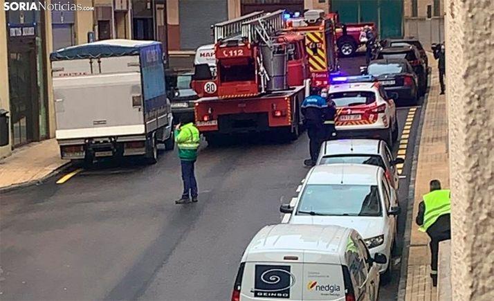Una imagen del operativo tras el aviso en la calle Francisco del Río. /SN