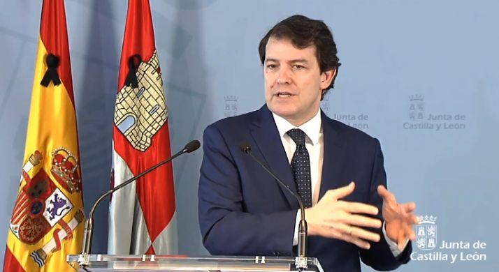 Foto 1 - Mañueco destaca que la Constitución continúa siendo una herramienta útil para mejorar la vida de los ciudadanos
