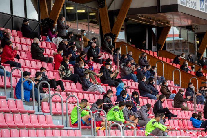 Foto 1 - El partido de Copa del Numancia el día de Reyes y con público