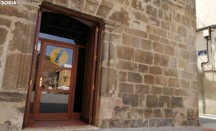 Entrada a la oficina municipal de turismo de Ágreda. /SN