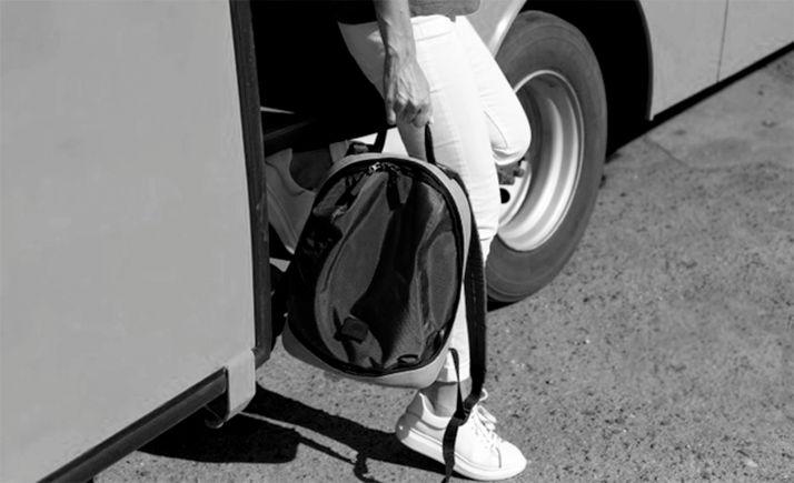 Foto 1 - La plataforma recoge firmas ante los recortes en los servicios de autobús