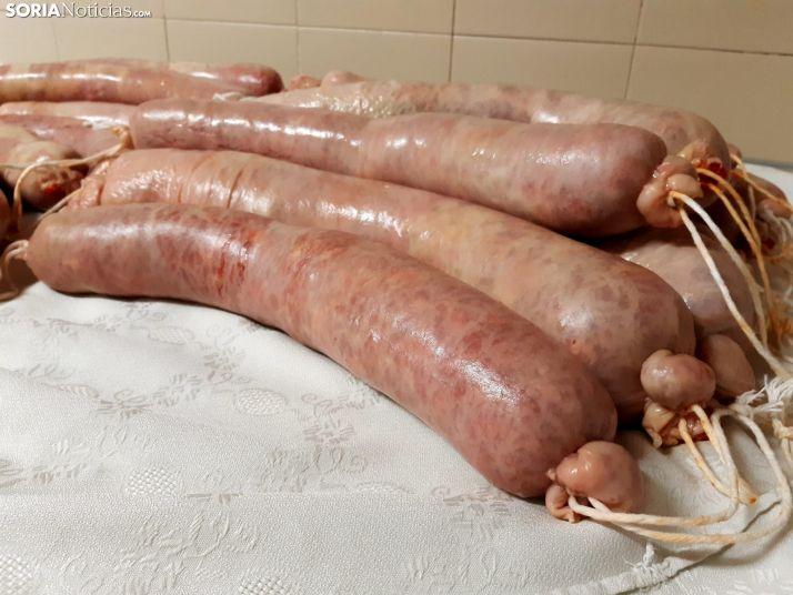 Foto 2 - La tradición se mantiene: por el sabor del chorizo los conoceréis
