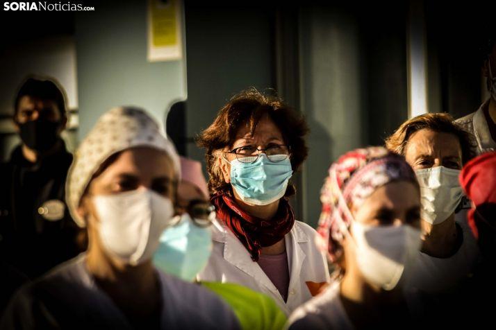 Sanitarios de Soria durante la despedida de la caravana de agradicimiento.