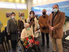 Foto 4 - El Burgo felicita a su nueva vecina centenaria; Carmen Del Pino Gil