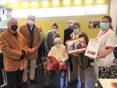 El Burgo felicita a su nueva vecina centenaria; Carmen Del Pino Gil
