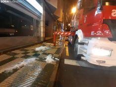 Foto 2 - Intervención de los bomberos en un edificio de Mariano Vicén