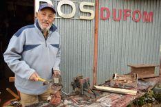 Clemente Palacios no olvida sus origenes de herrero.