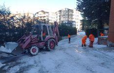 La Junta mantiene los trabajos de limpieza de hielo y nieve en zonas urbanas de la capital y la provincia