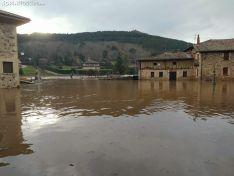 Foto 4 - GALERÍA: Los vecinos de Salduero y Molinos, con el agua hasta las rodillas y cansados de la inacción