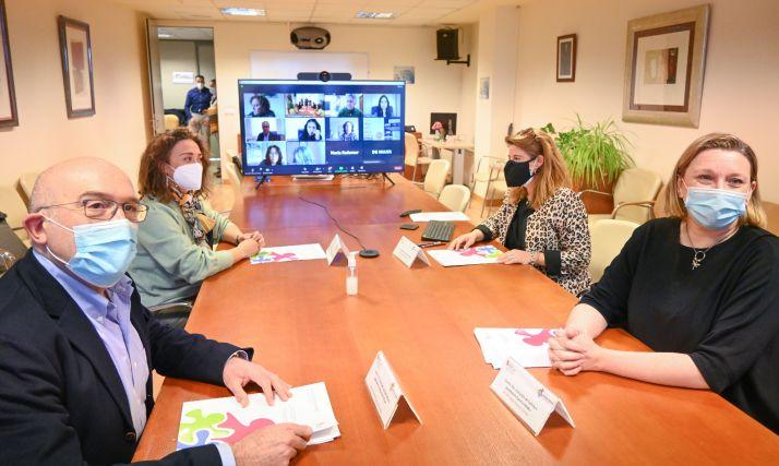 Foto 1 - La Junta crea la Red de Igualdad de Mujer Rural