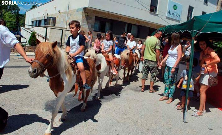 Una imagen del mercado tradicional de Almarza. /SN