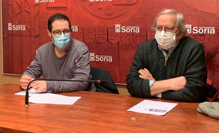 Fernández (izda.) y Bárez, en la presentación del ciclo. /Ayto.