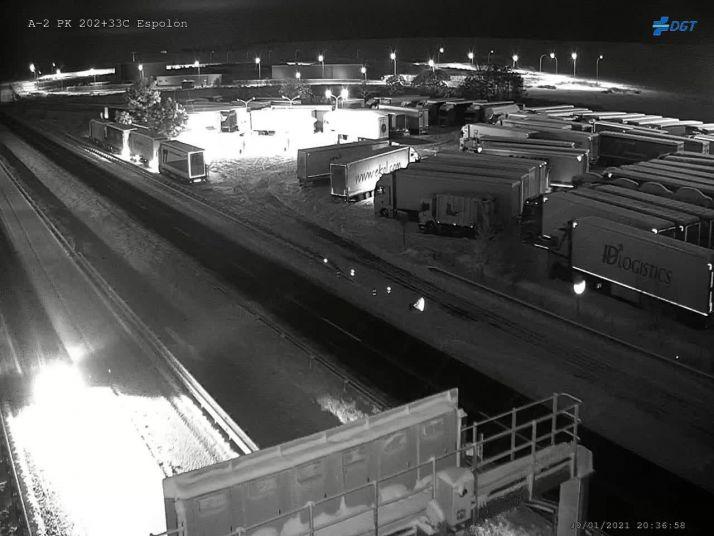 Camiones embolsados en la A2. DGT