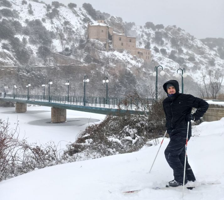 Un esquiador en Soria.