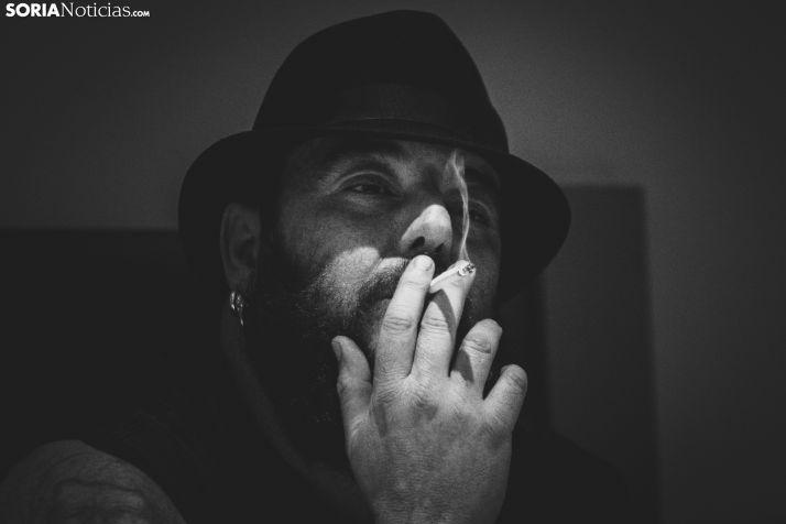 Kutxi Romero atiende a Soria Noticias en su hotel. /Viksar Fotografía