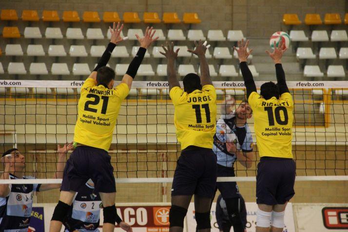 Foto 2 - Tres puntos de oro ante Melilla para comenzar el 2021 con dinámica renovada