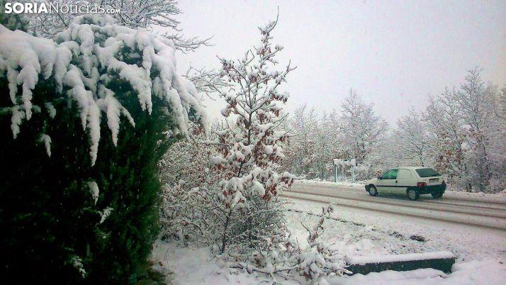 Foto 1 - Hielo, nieve y niebla obligan a circular con precaución en 36 tramos de carreteras sorianos