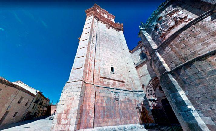 Una imagen de la torre de la catedral.