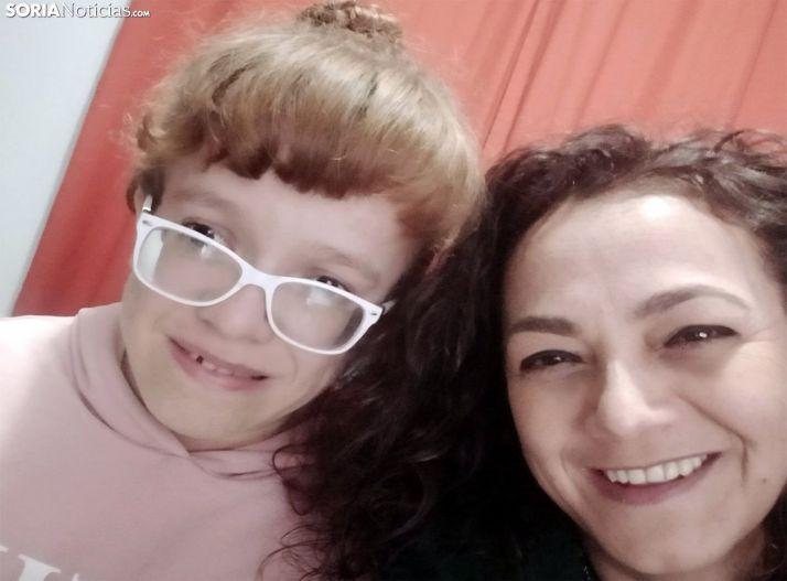 Viviana con su hermana Elsa. /SN