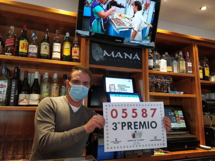 Celebración en el bar Maná.