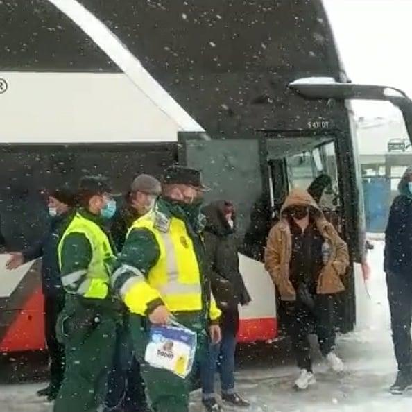 Foto 2 - La Policía y la Guardia Civil  auxilian a unas 1.250 personas en la provincia por esta ola de nieve y frío