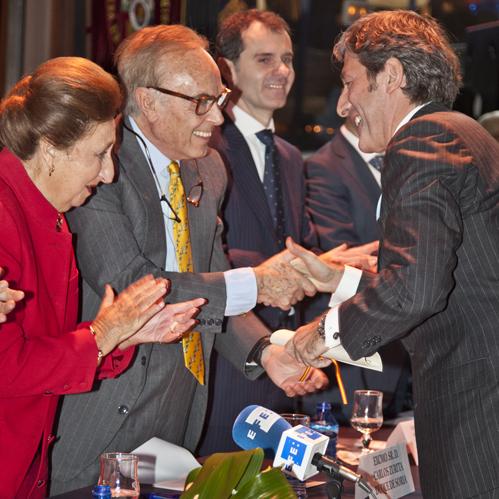 Los Duques entregan el Soriano del Año d 2010 al periodista Jesús Álvarez
