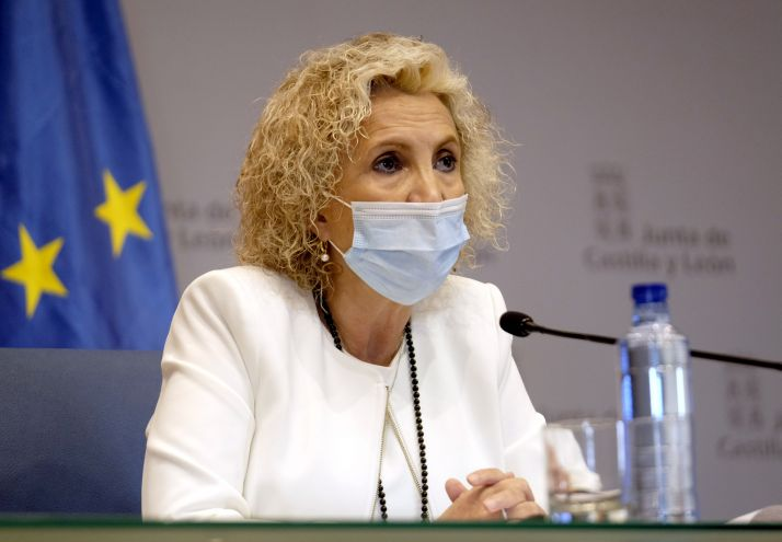 """Foto 1 - Verónica Casado: """"No podemos sacarnos especialistas sanitarios de la chistera"""""""
