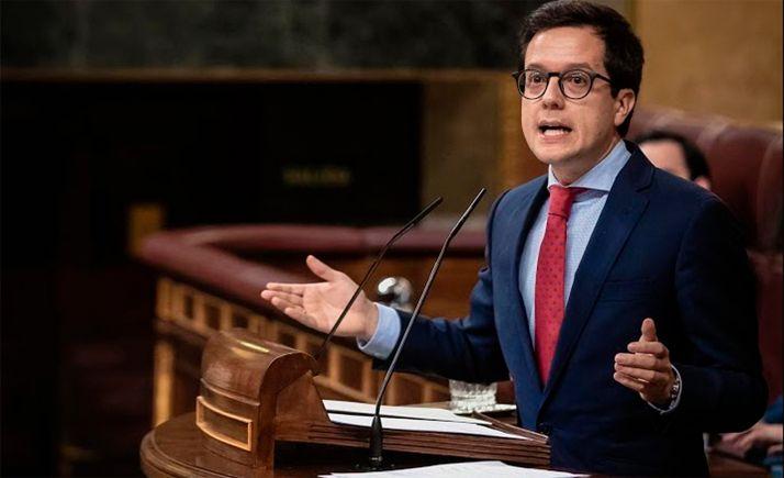 Una intervención de Tomás Cabezón en el Congreso de los Diputados.