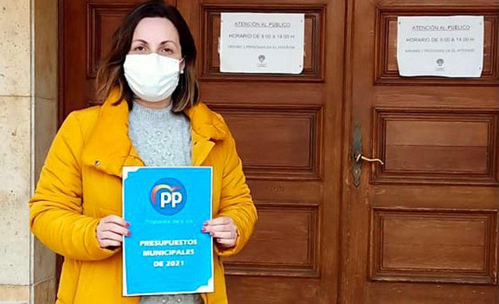 Mónica Machín, portavoz del PP en el Ayuntamiento de Almazán.