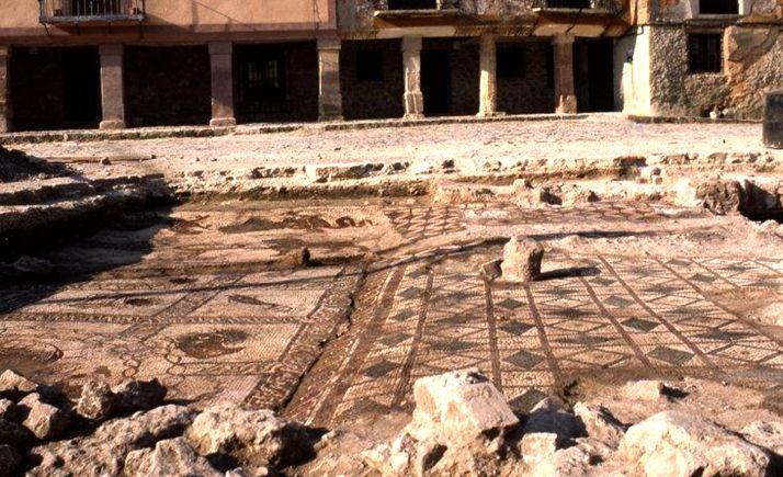 Una imagen del mosaico tras haber sido descubierto en la década de los ochenta. /Jta.