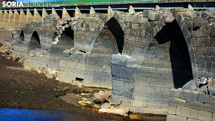 Una imagen del puente, que afloraba a la vista en la sequía de 2017. /SN
