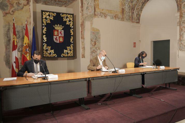 Foto 1 - Acuerdo a tres bandas para la creación de la Casa Museo Delibes