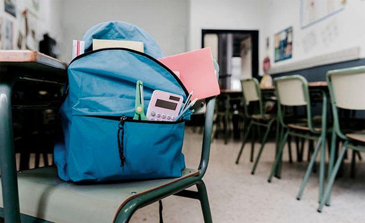 Foto 1 - Rechazan la retirada de carteles a favor de la escolarización pública promovida por la Consejería