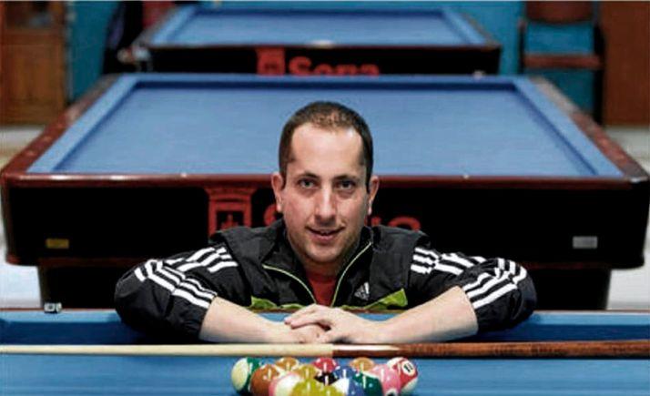 Carlos Cortés, del equipo de billar del Casino Amistad Numancia.