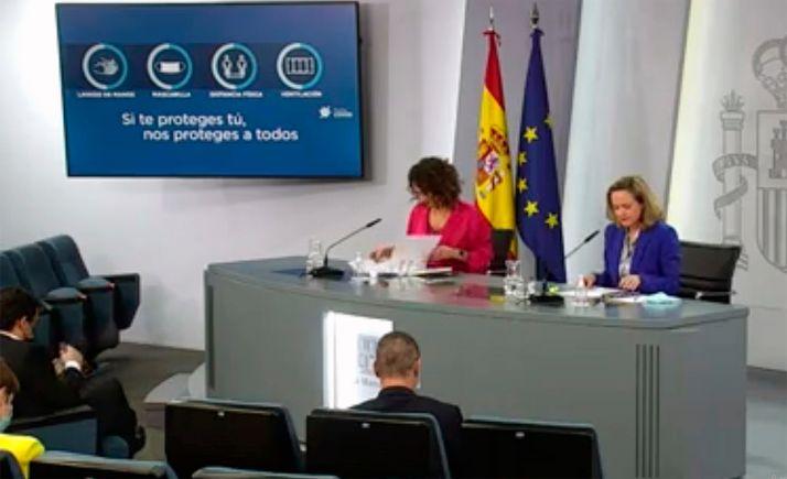 Las ministras Monterio y Calviño en rueda de prensa tras el Consejo Extraordinario de Ministros. /Jorge Villar